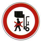 Verbotsschild - Nicht unter angehobene Last treten